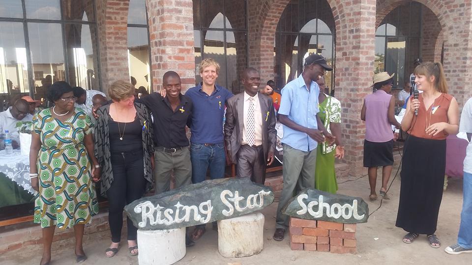 Eröffnung der Schulgebäude bei Rising Star – Bericht aus Simbabwe
